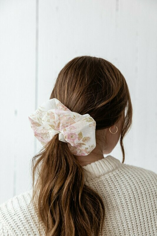 Oversized Scrunchie Floral