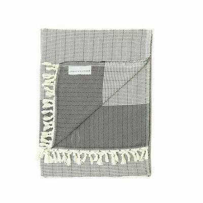 Stray & Wander Repose Blanket Black