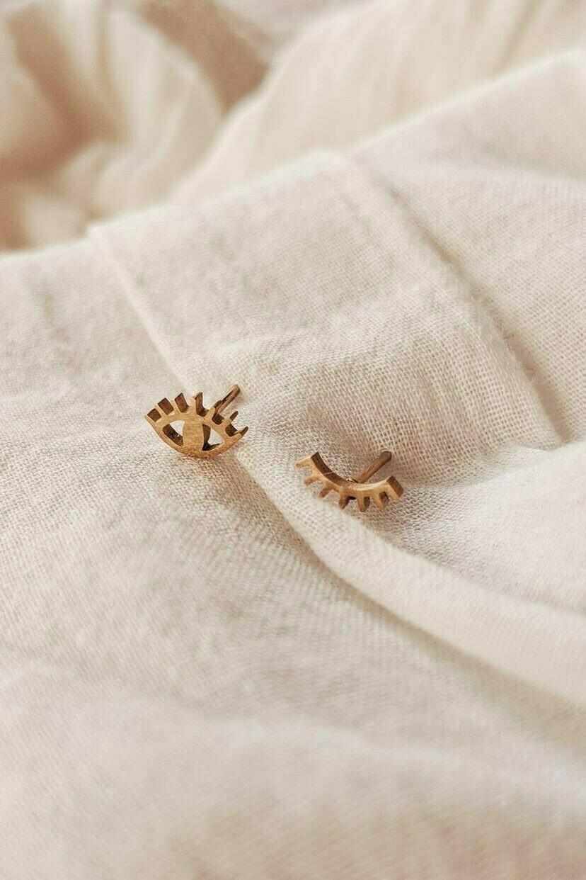 Mimi & August Wink Earrings