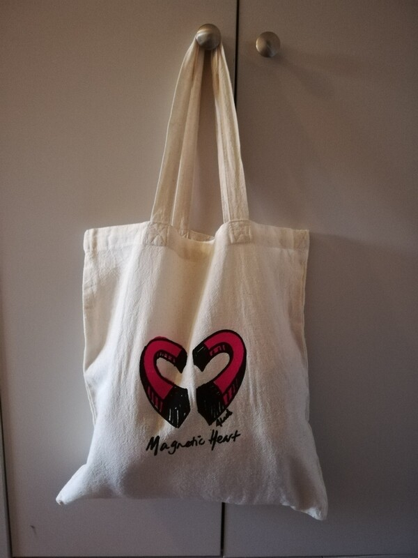 Magnet Heart Tote