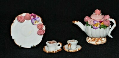 Tiny Teacup Set