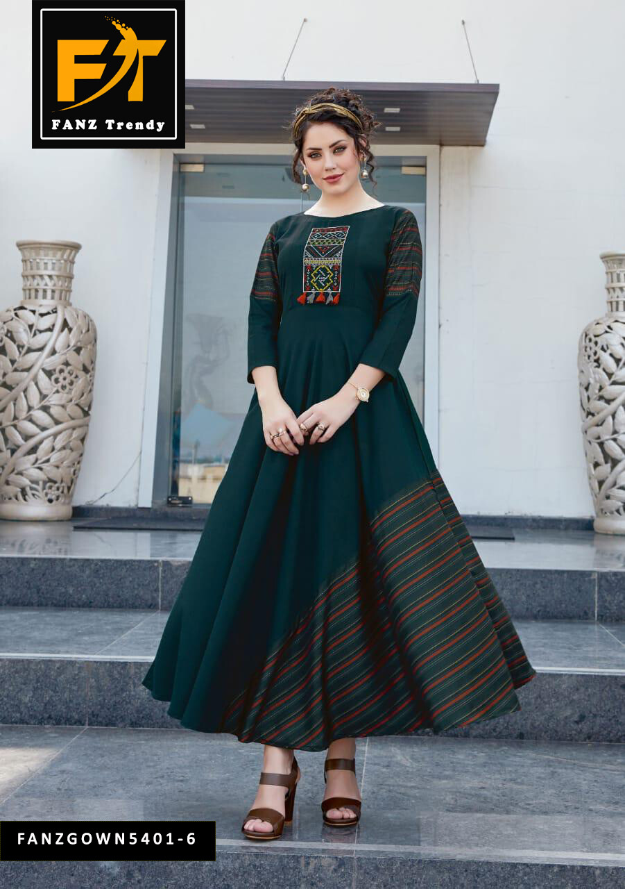 Self Design, Rayon Fabric with Embroidery, Stitched Anarkali Gown  (Green)