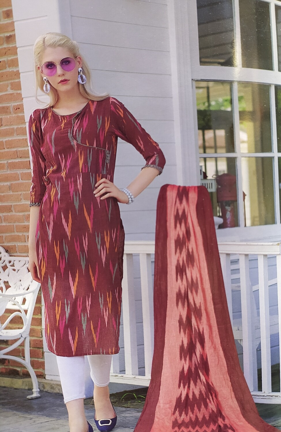 Women Ikat Cotton Blend Straight Kurta