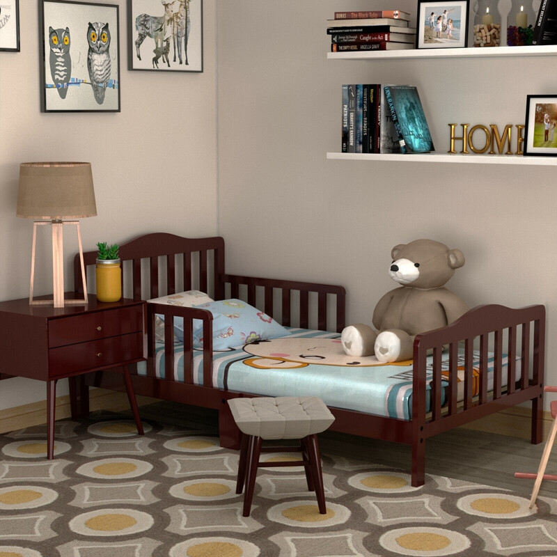 Classic Kids Wood Bed with Guardrails