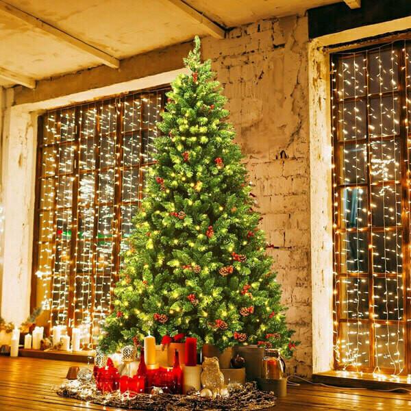 Pre-lit Hinged Christmas Tree with 550 LED Lights