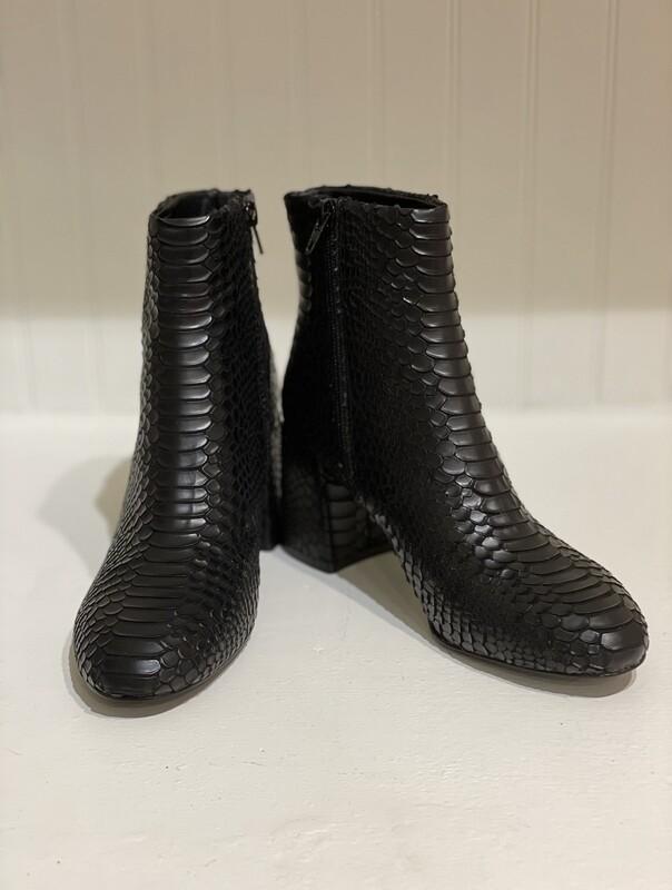 Steve Madden- Gibbs Black Croc Bootie