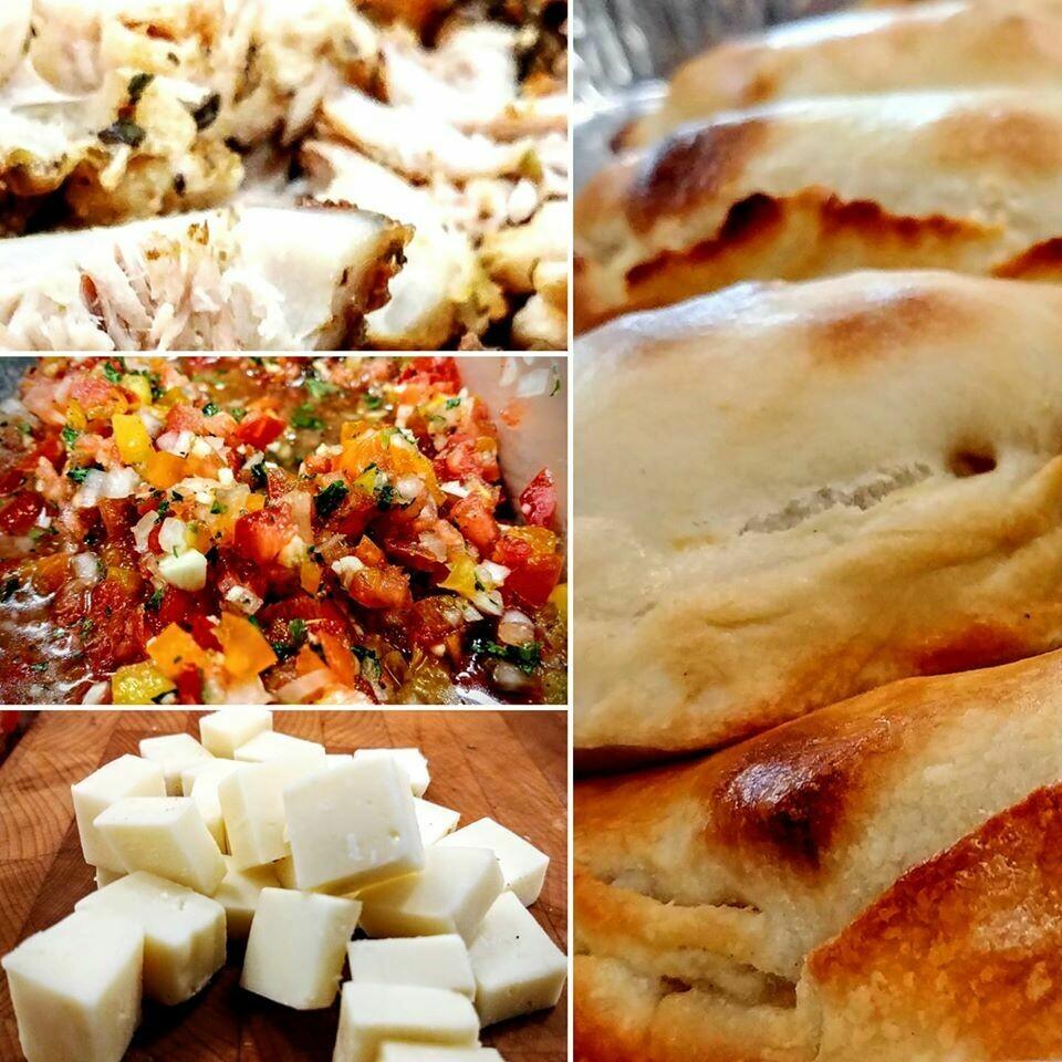 Empanada INdividual MEAT - GREG (Chicken, pebre salsa, cheese)
