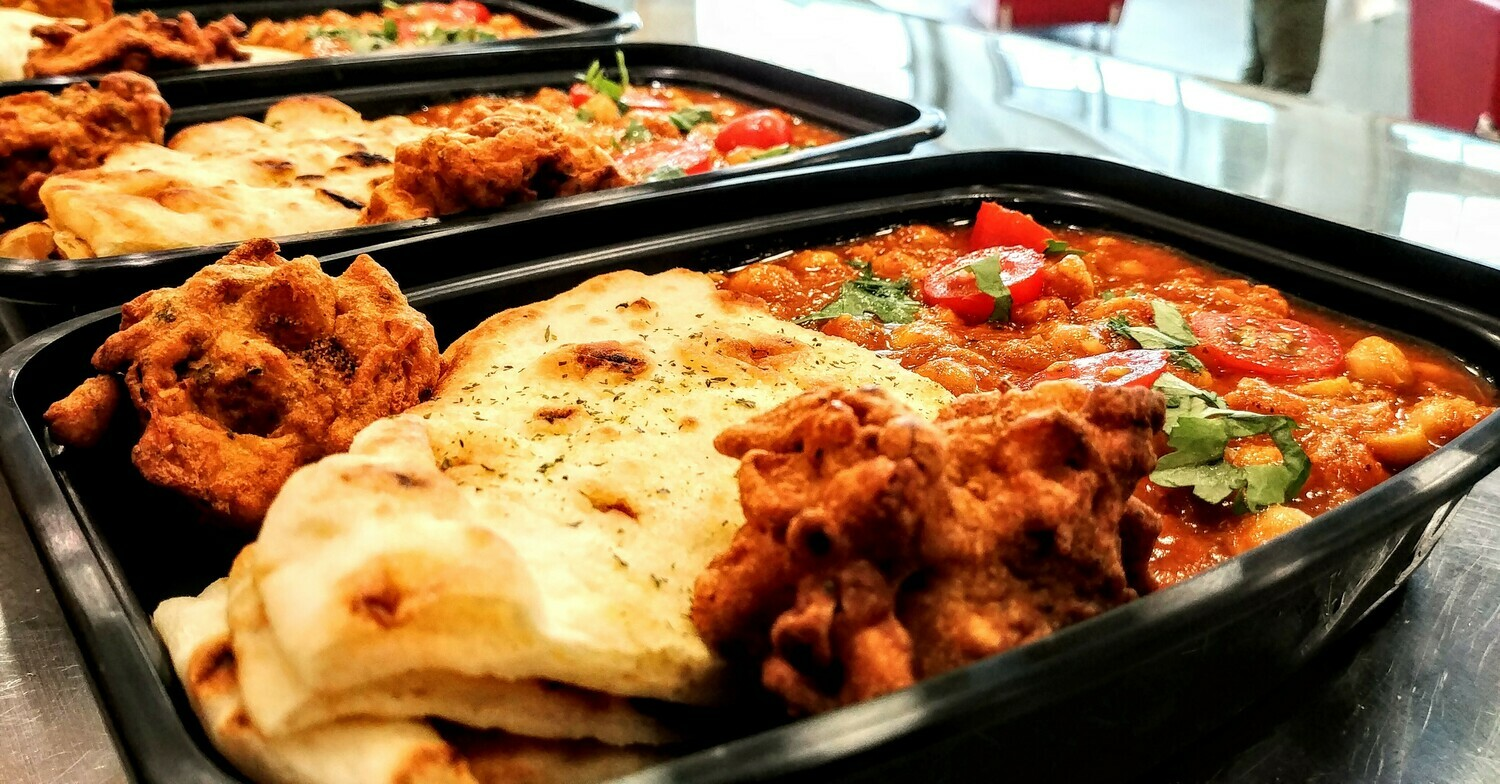 Taste of India - Vegetable Meal Combo - Chickpea Curry, Naan & Pakoras