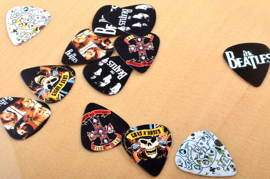 Guitar Picks for Acoustic, Classical  and Electric guitars iMG421