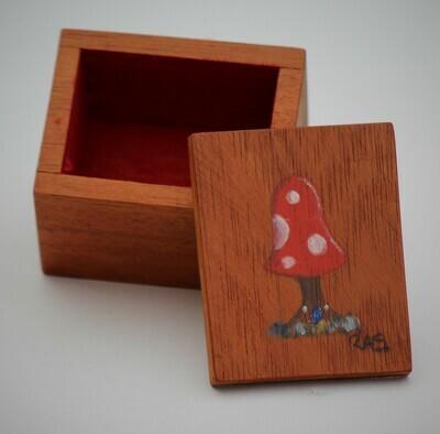 Mushroom trinket box