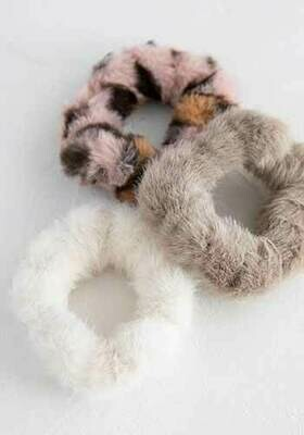 Natural Life Fuzzy Scrunchies