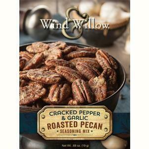 Wind & Willow Cracked Pepper Garlic Pecan Mix
