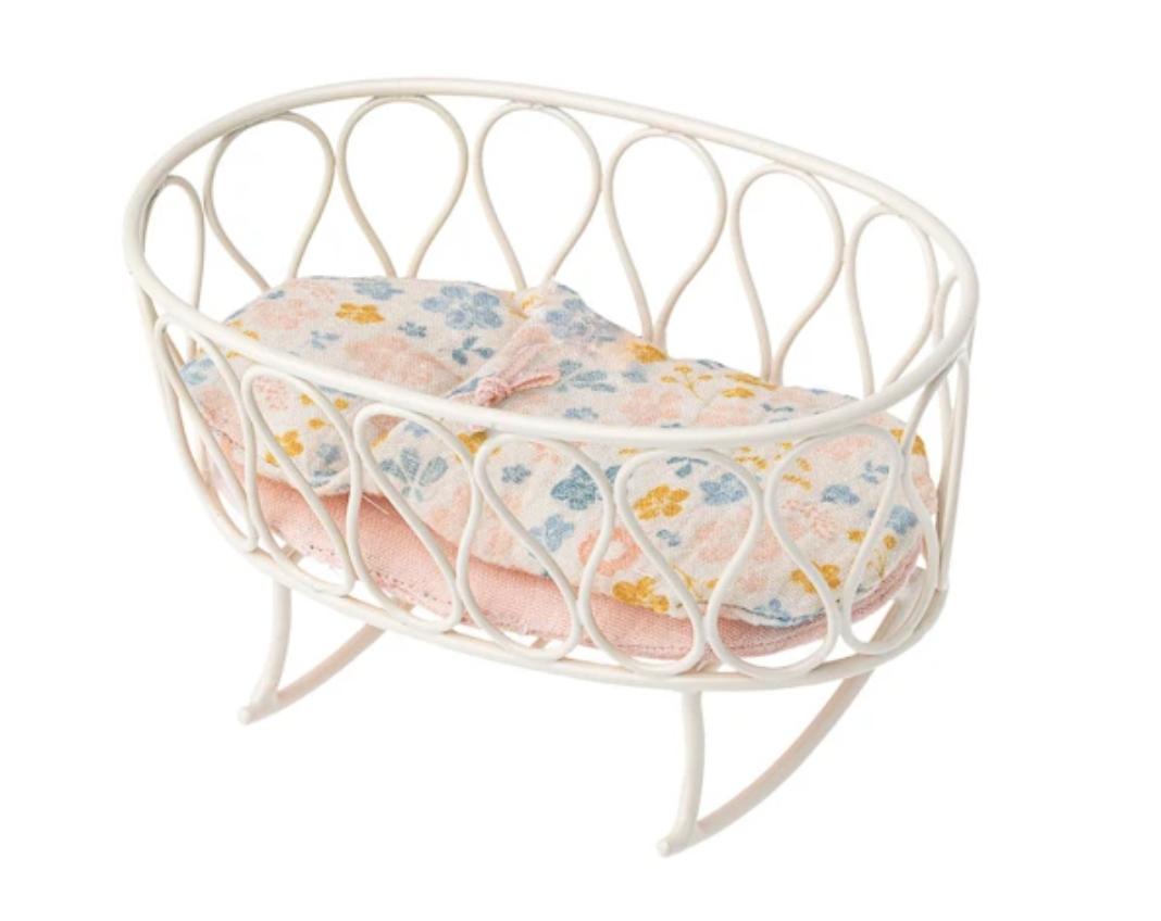 Cradle with Sleeping Bag, Micro