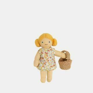 Holdie Folk, Farmer, Poppy