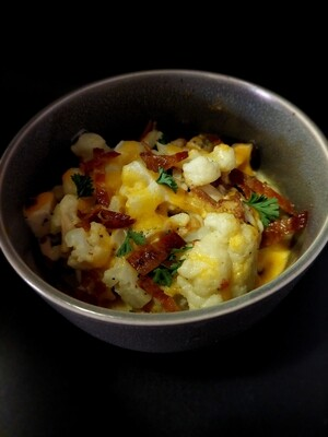 Cheesy Cauliflower With Bacon (Keto)