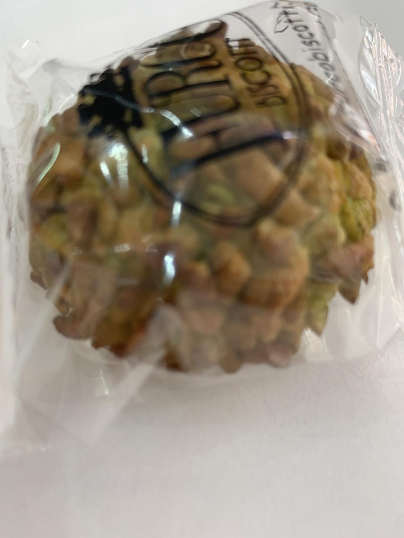 Pâte d'amande  enveloppée de grain de pistache