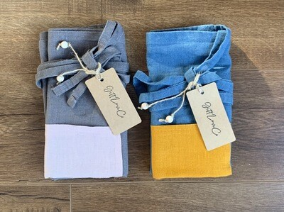 GiftLoveCo waist-tie apron