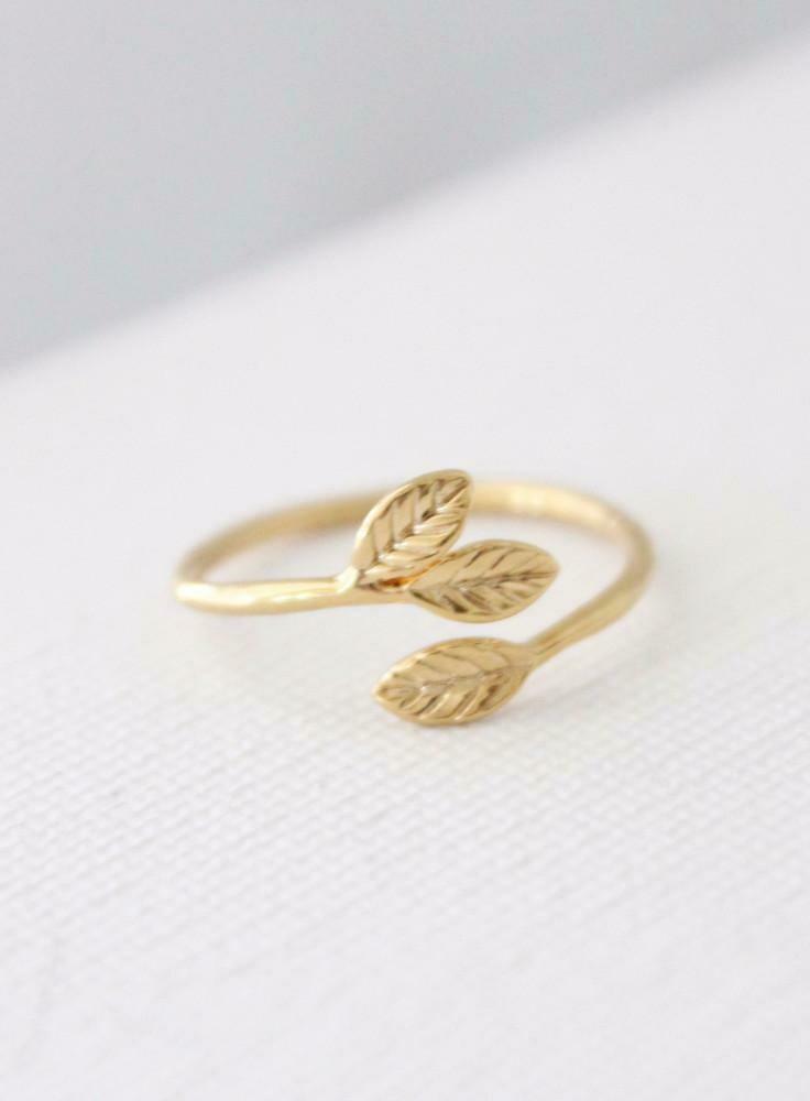 petite leaves ring