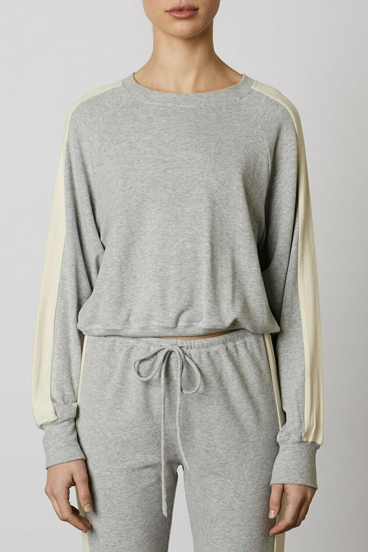 NIA - contrast stripe pullover