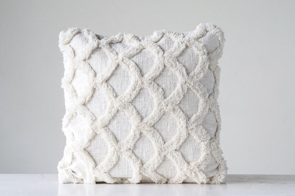 """18"""" Cotton Chenilee Scalloped Pillow in Creamy White"""