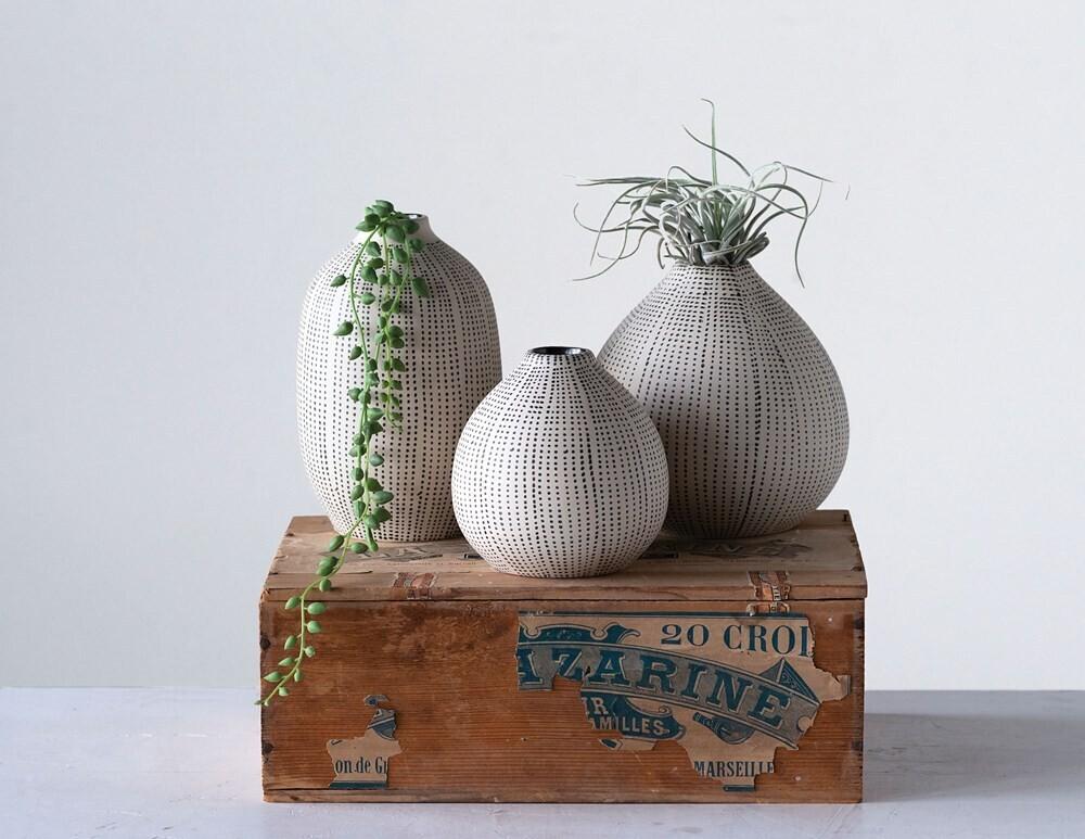 Stoneware Textured Vase - Set of Three Black & White