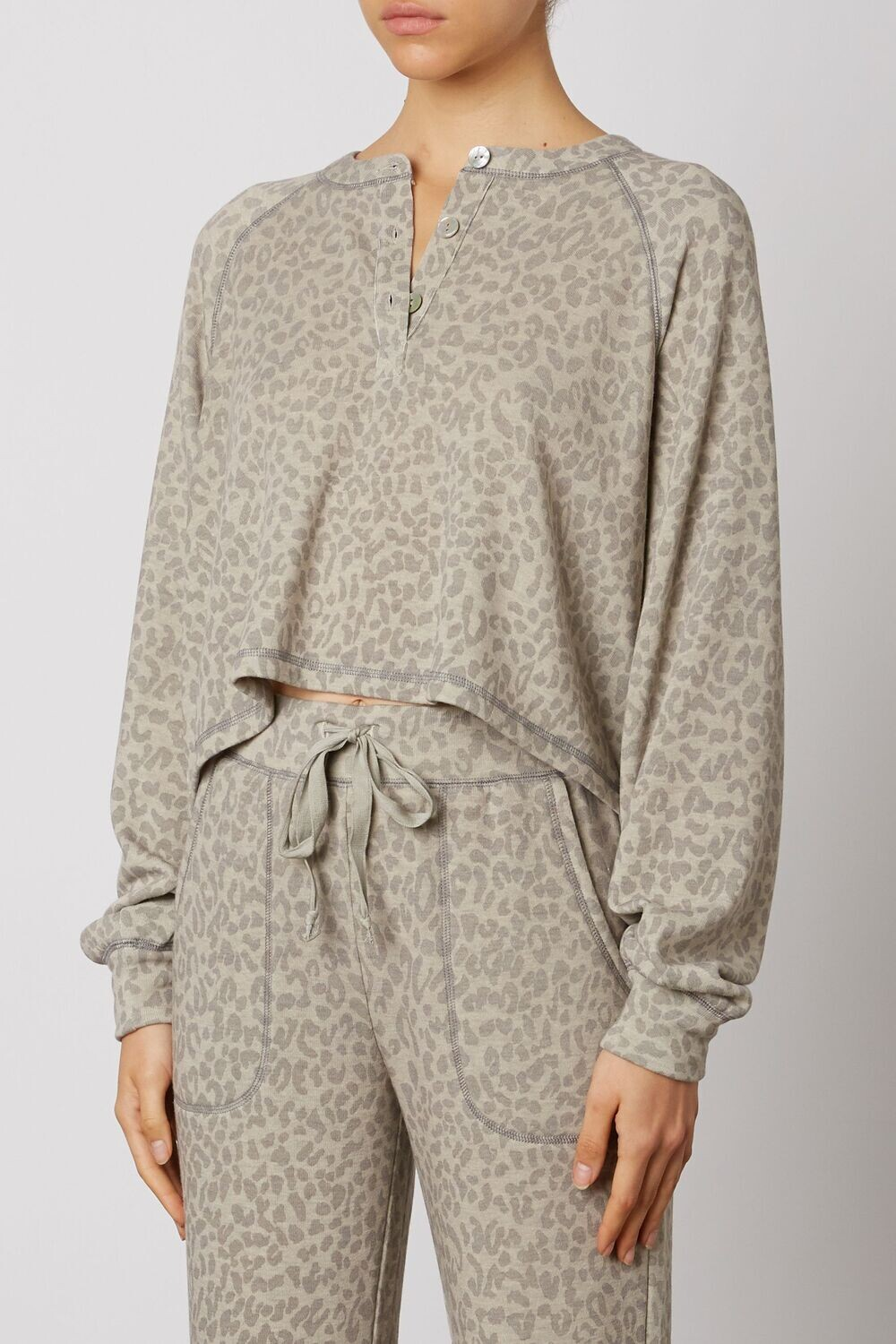 NIA - Contrast Stitch Jogger in Taupe