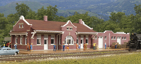 N Scale Walthers Cornerstone Santa Fe-Style Brick Depot With Freight House