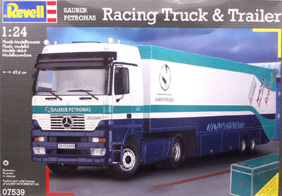 1:24 Scale Sauber Petronas Racing Truck & Trailer #07539
