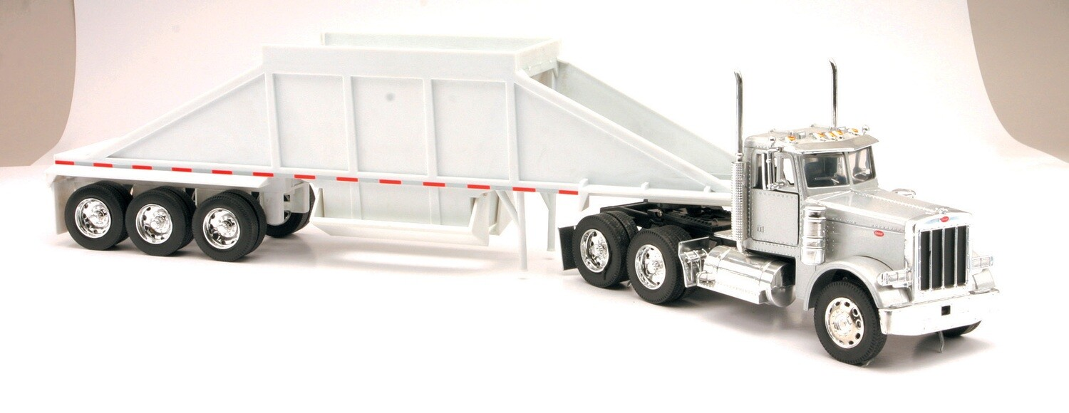 1:32 Scale Diecast Peterbilt 379 with Dumper #13843