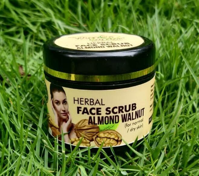 Winnie's Candor Herbal Almond Walnut Scrub