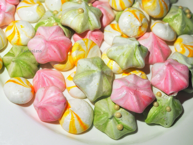 Vegan meringues. GLUTEN FREE.