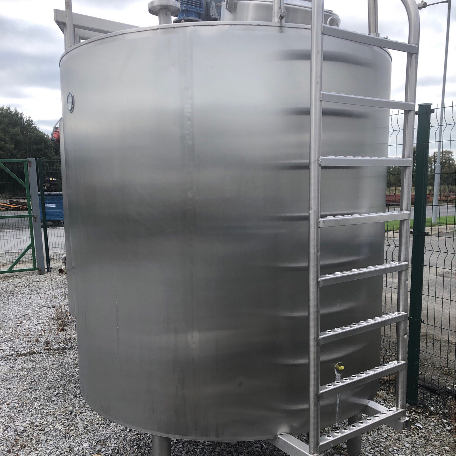 2M3 Agitated , insulated , jacketed Tank with Access ladder