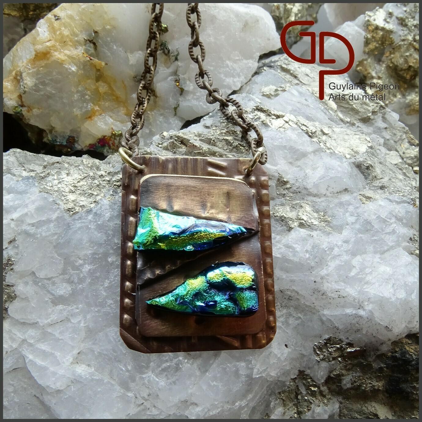 Collier verre dichroïque sur bronze #1