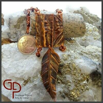 Collier lariat plume