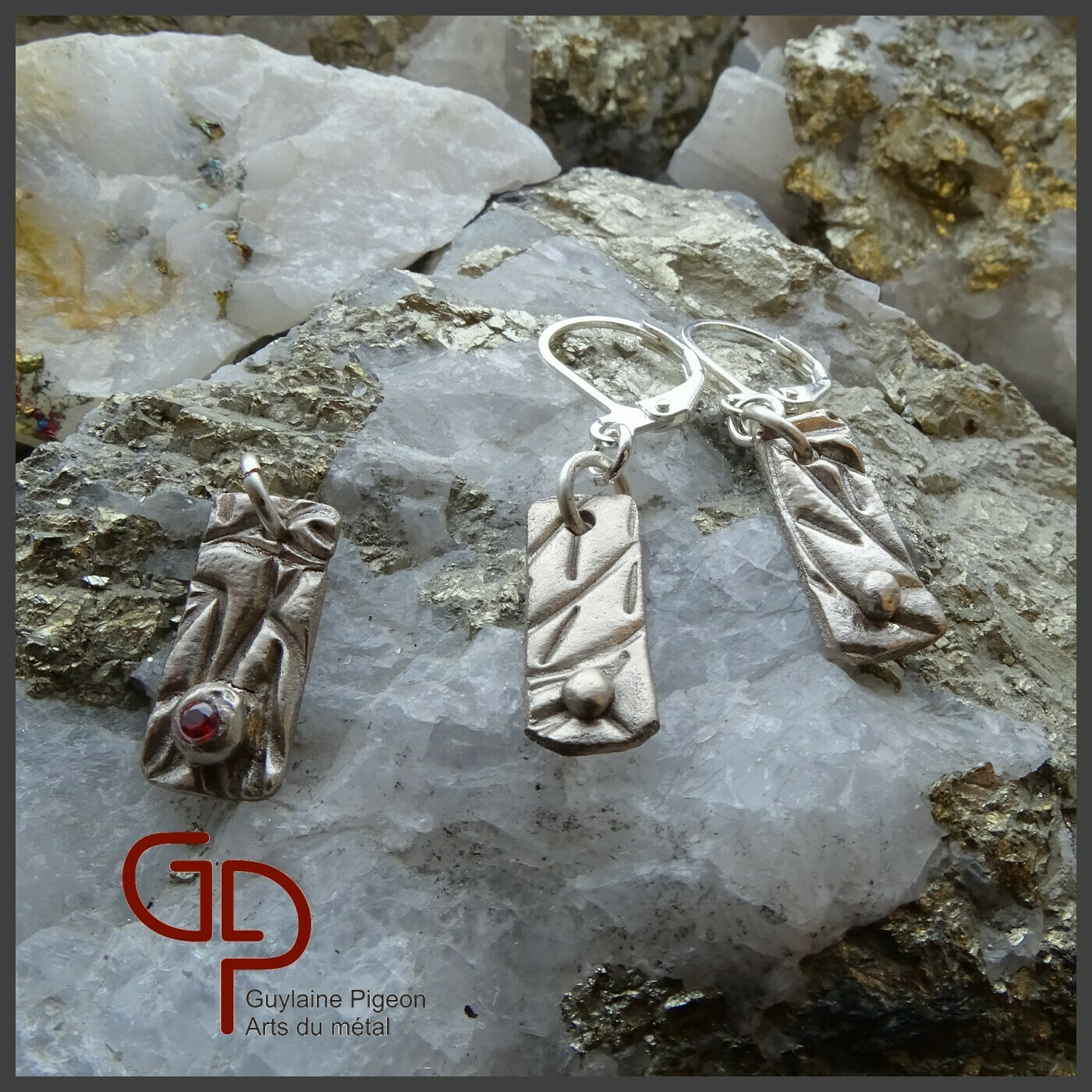 Ensemble pendentif en bronze blanc #1
