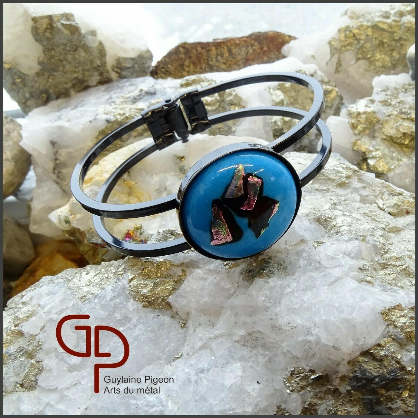Bracelet noir et verre fusion