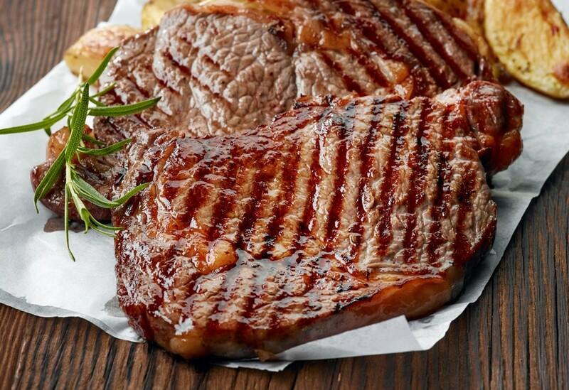Grillet rib-eye steak