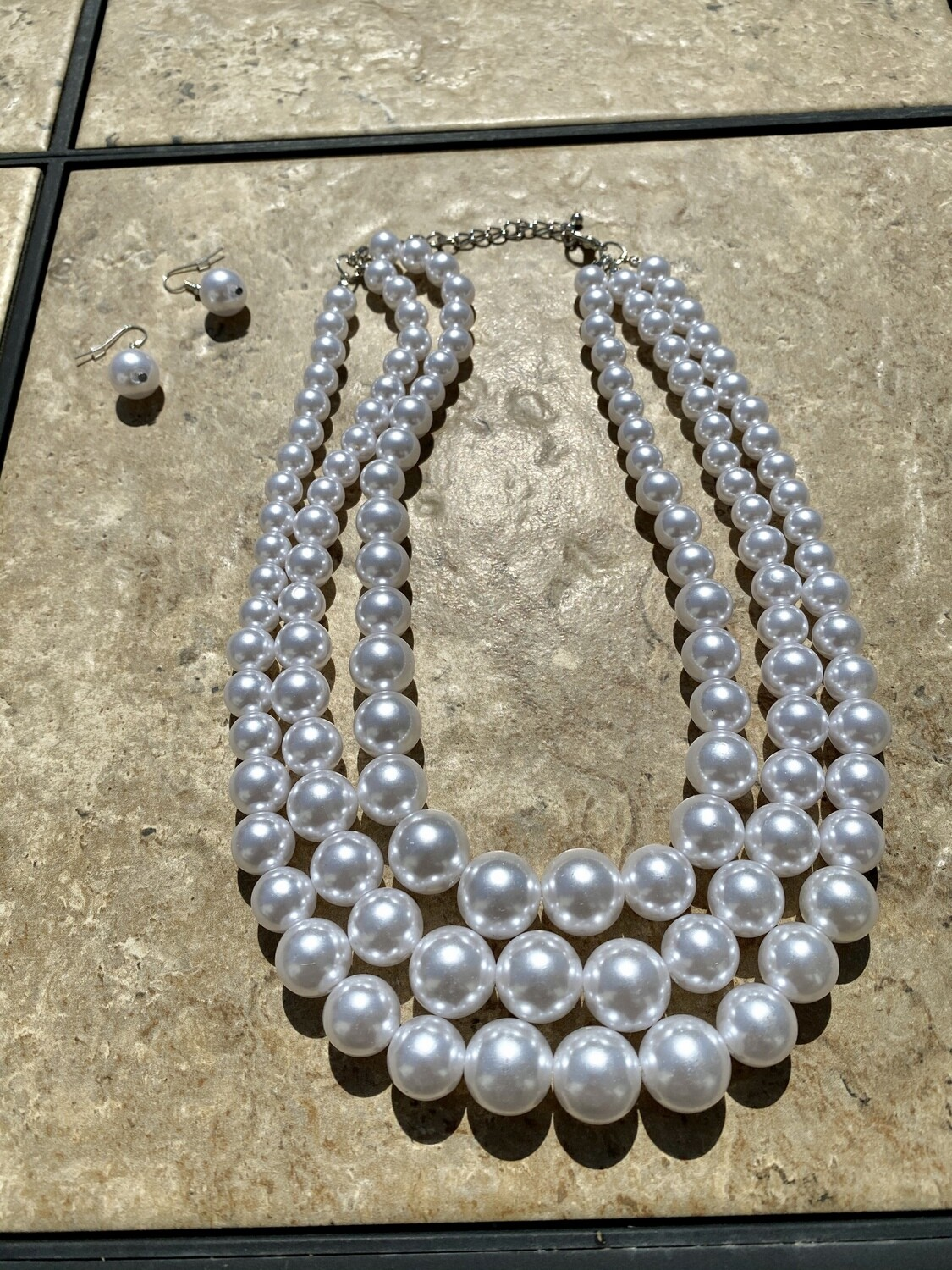 White Tripled Layered Pearl Chunky Necklace Set