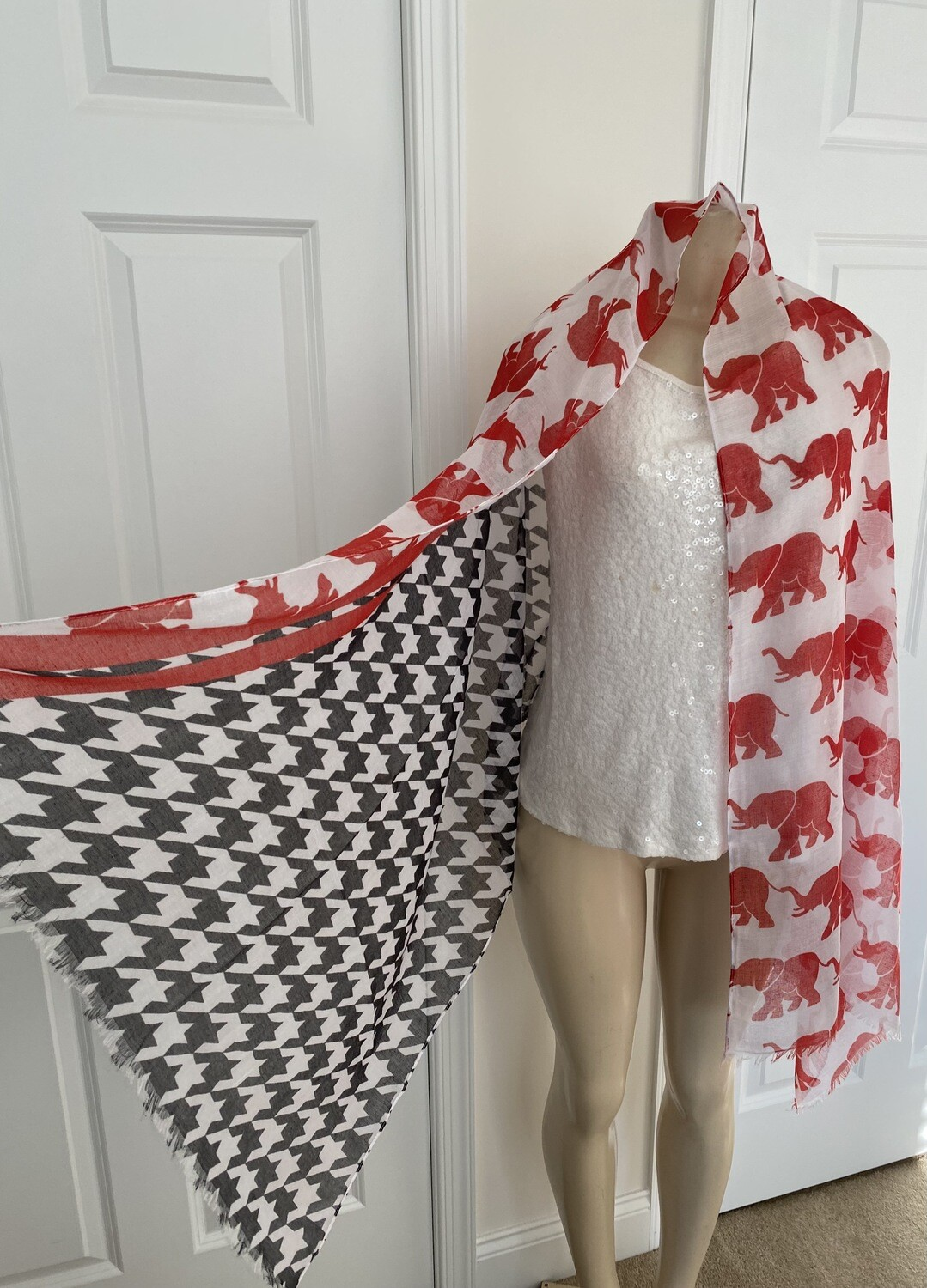 Elephant Pattern Printed Scarf  Unique Gifts   Trendy Accessories