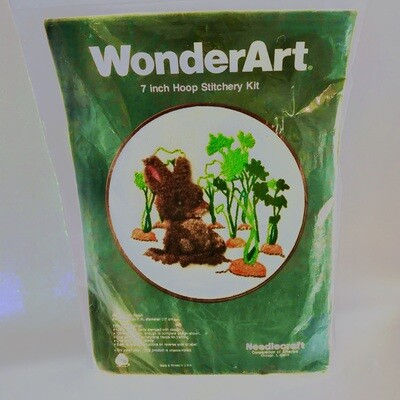 WonderArt 7 Inch Hoop Stitchery Kit 7 in