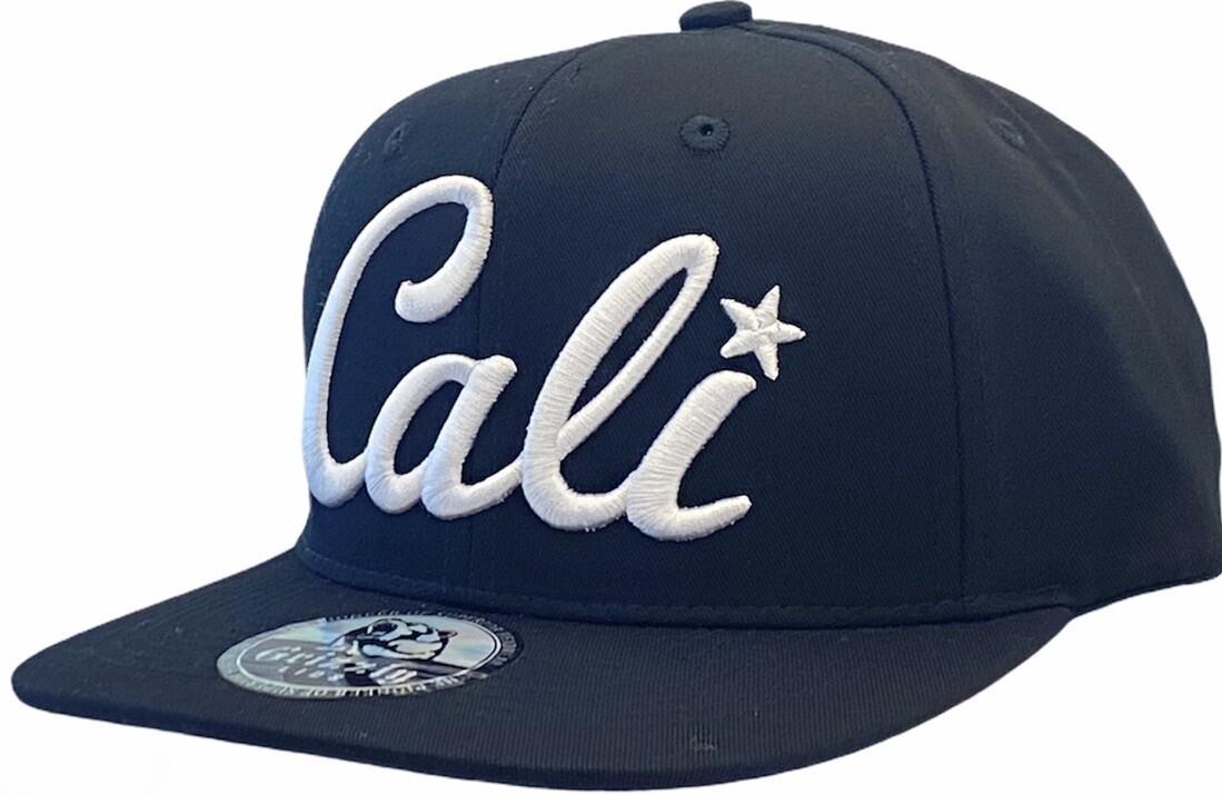 CALI CURSIVE SNAPBACK HAT