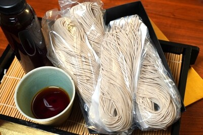 100% Soba noodles (560g) with Gluten free sauce (240g)