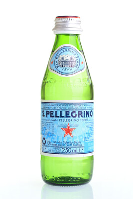 San Pellegrino Sparkling Mineral Water 250ml  : 6 Pack Glass Bottles