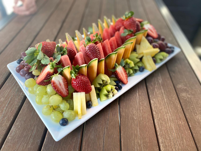 Gourmet Seasonal Fruit Platter   Large 4.5kg