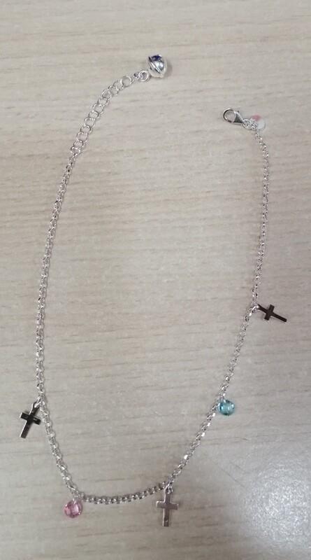 Tobillera con crucifijos y circonita