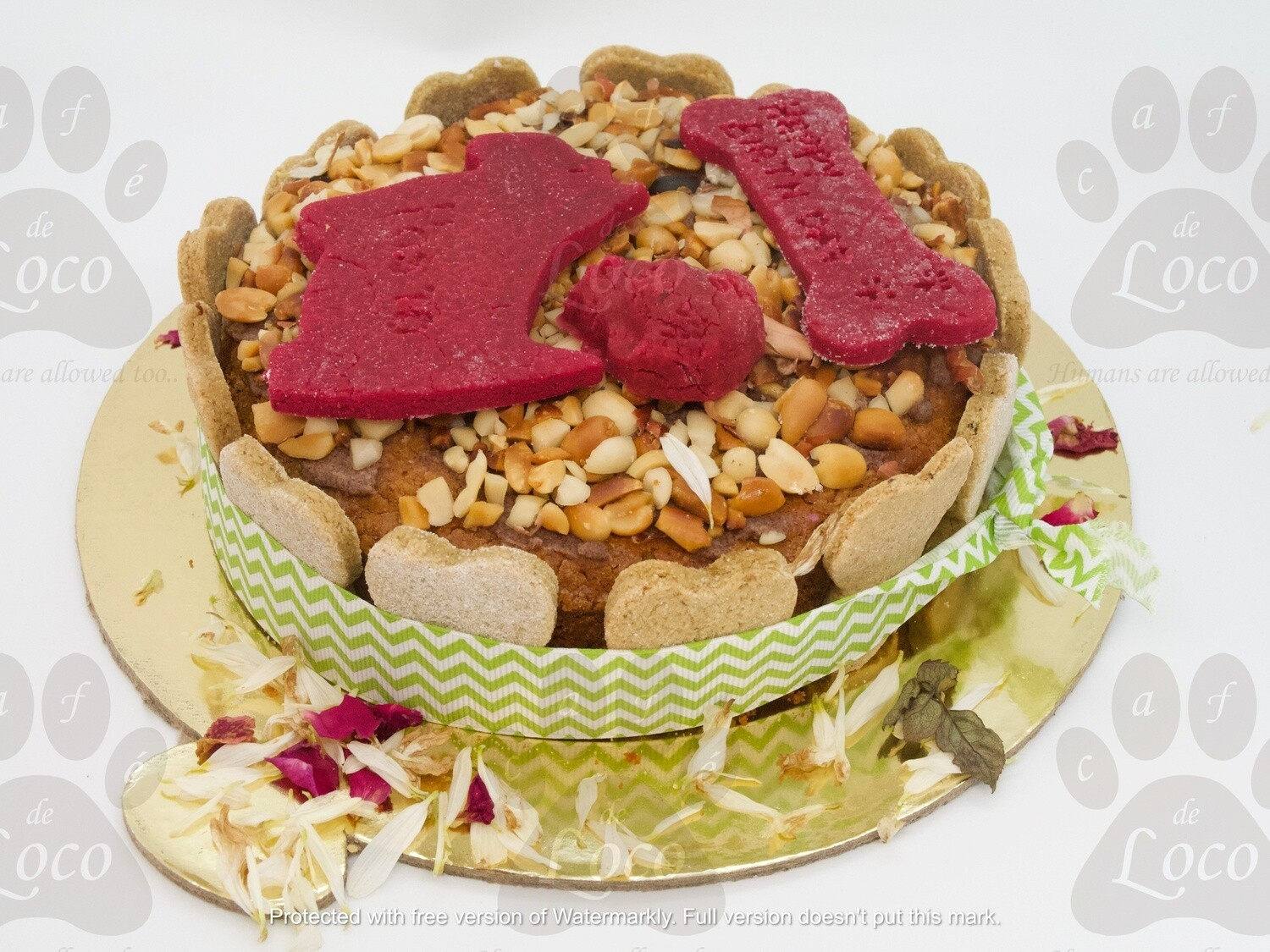 Non Icing cake with top decoration
