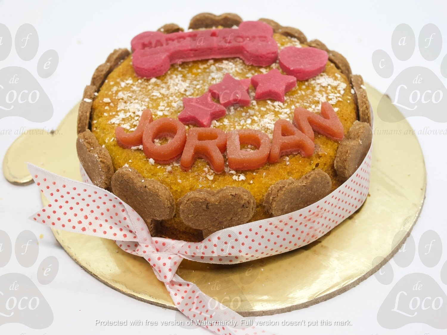Non Icing cake with top decoration letters( round)