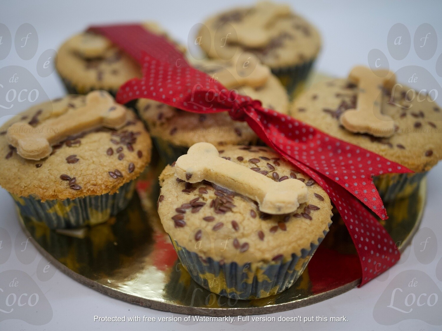 Pup cakes with bone cookies( 6pcs)
