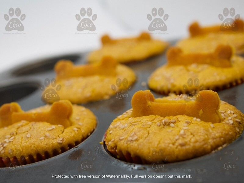 Pup cakes with bone cookies( pack of 6)