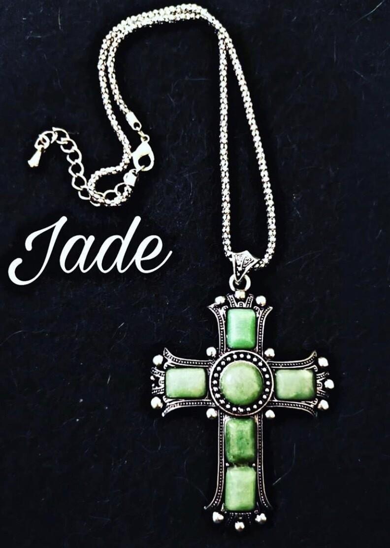 Collar de cruz de Jade